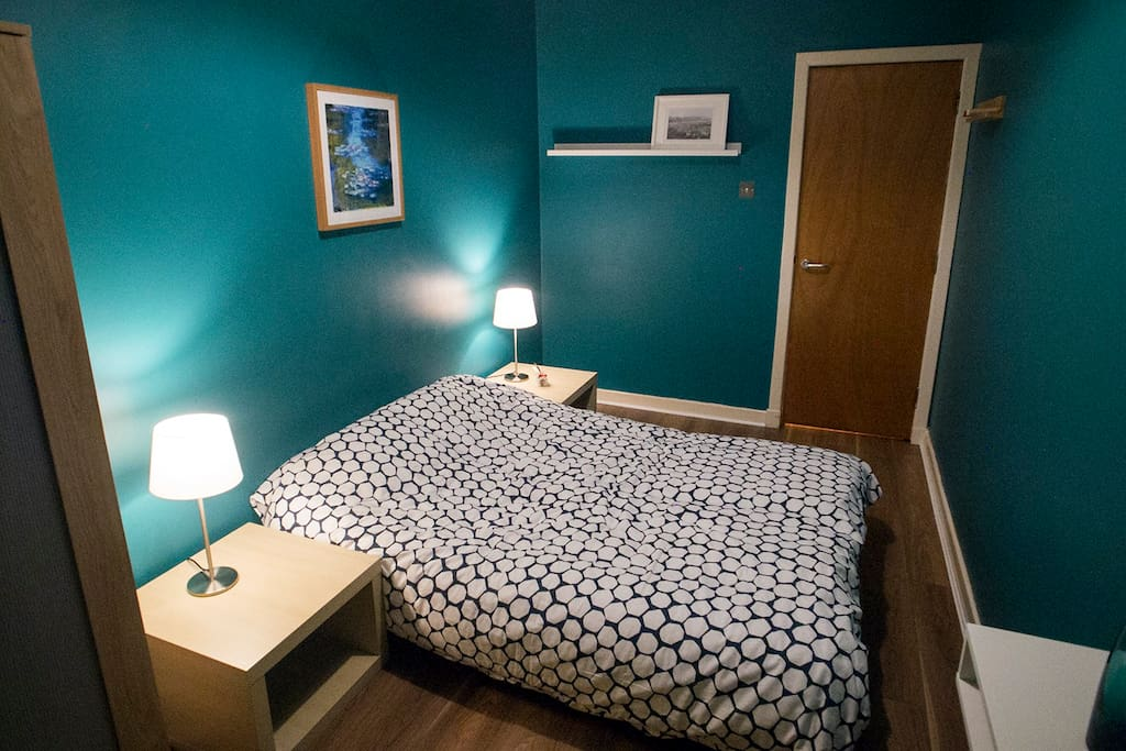 Recently refurbished cosy private double room.