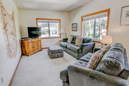 The Loft B - close to bay~ Private Apartment - Tillamook - Talo