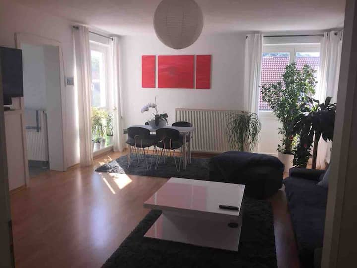 *2-Zimmer*Wohnung*56 qm*Stadtgrenze Berlin*