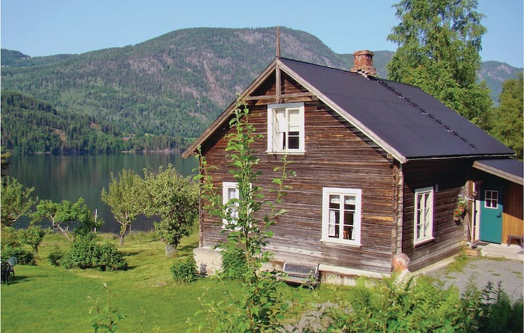 Holiday cottage with 2 bedrooms on 60m² in Vråliosen