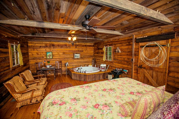 7F Lodge - Batts Ferry Log Cabin