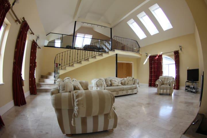 Barna Liaga House Tullamore Co OFFALY.