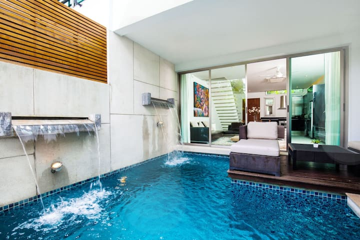 Beachfront Lustrous Villa, with Pool