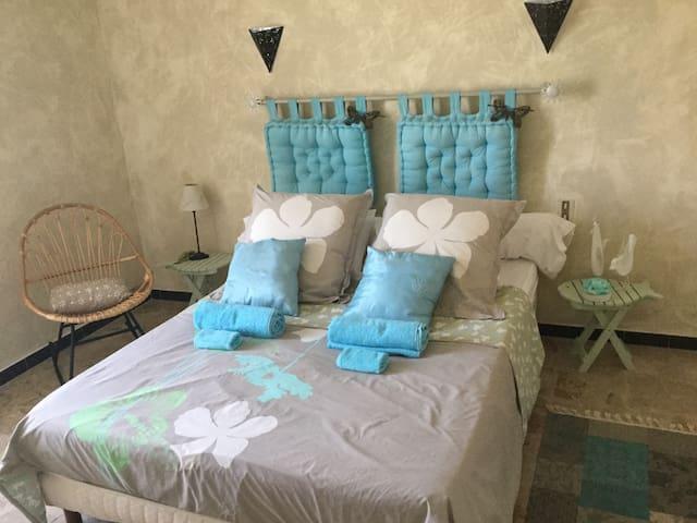 Chambre dans maison proche aéroport de Bastia (3)