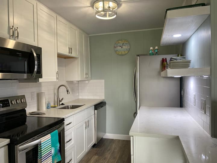 Rest Ashored Port A by the Beach-sleeps 5-No pets