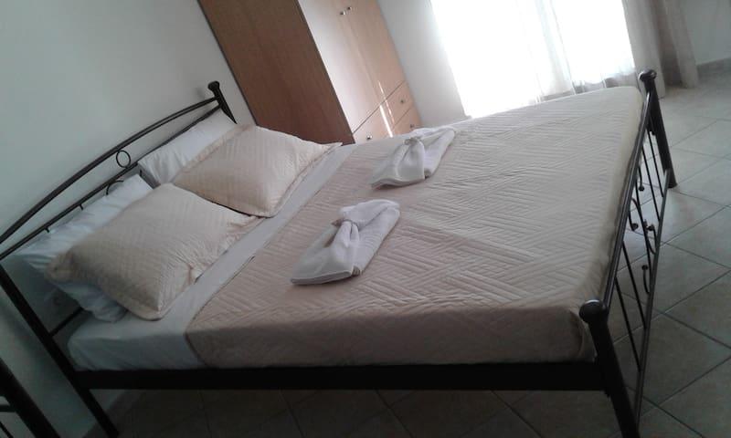 NOSTOS HOME (2)