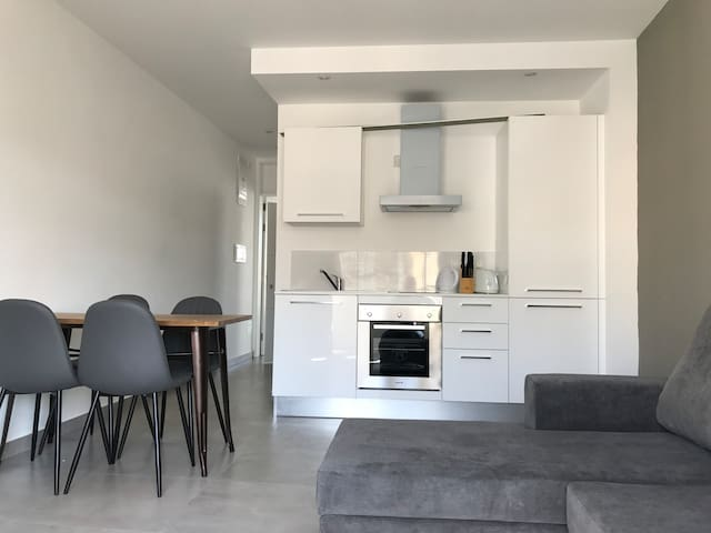 Affordable Luxury and Location 1 Bedroom - Il-Gżira - Leilighet