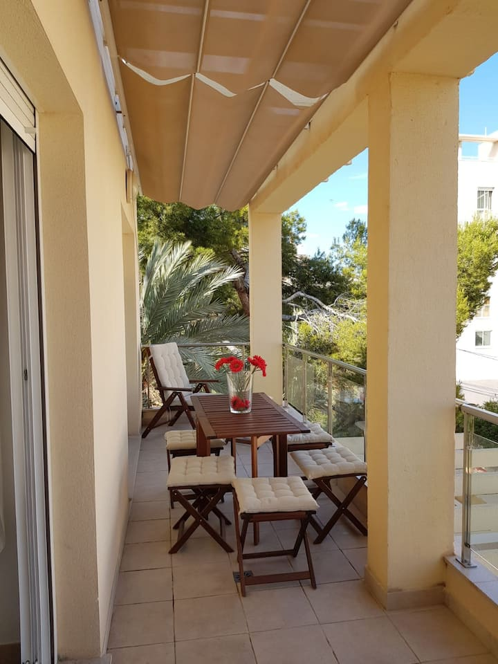 MODERN APARTMENT 2 MINUTES FROM THE BEACH