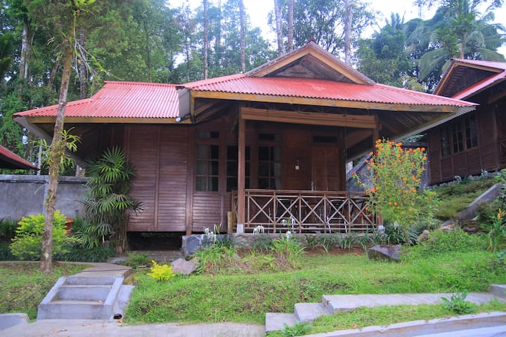 Private deluxe cottage in North Sulawesi - North Tomohon - 別荘
