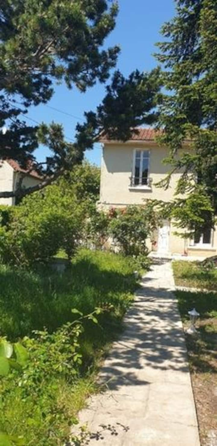 Belle maison avec jardin Sainte Geneviève des Bois