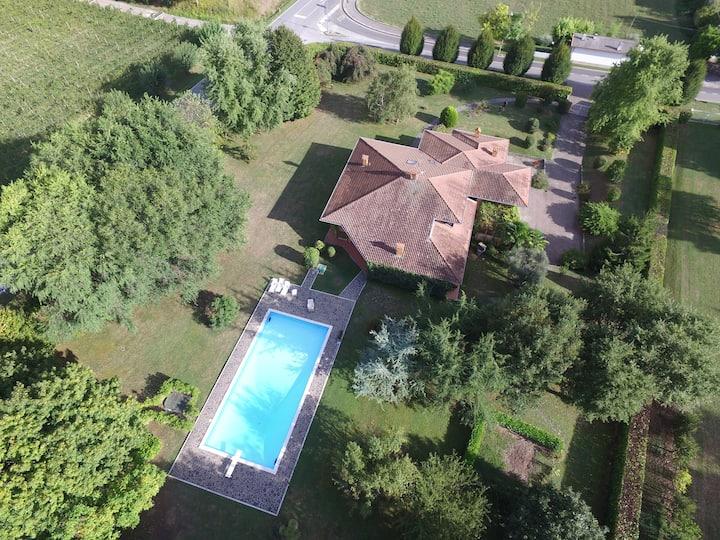 Stupenda Villa con Piscina