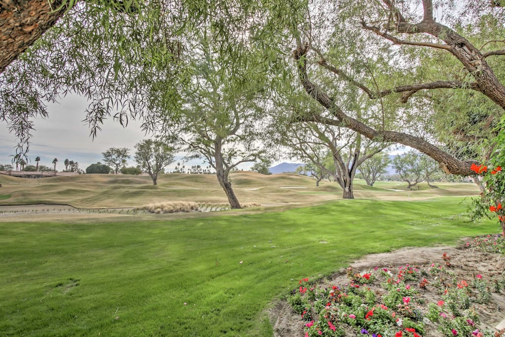 Located in PGA West, you and your travel companions can enjoy balmy afternoons in the community pool or practicing your swings on the golf course.