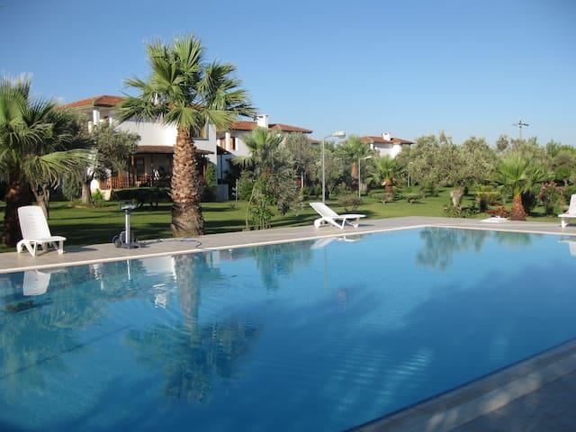 Doğalkent sitesi müstakil villa #13 - Ayvalık - Rumah