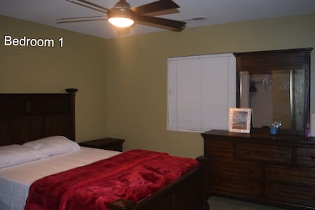 3 PRIVATE  bedrooms for 6 guests.** - Riverside