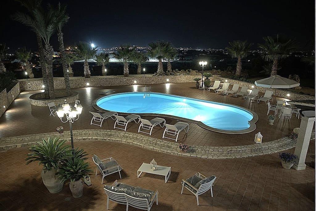 Villa diva con piscina ville in affitto a paceco - Villa con piscina sicilia ...