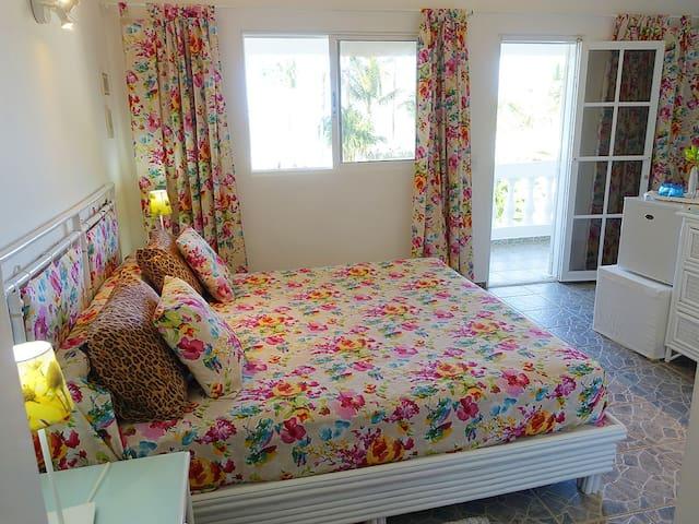 Beautiful beachfront room for couples. Playa Coson - Las Terrenas - Bed & Breakfast