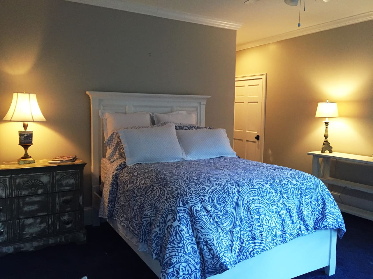 Southern Charm in the Heart of Buckhead.  Spacious bedroom with a lot of natural sunlight.