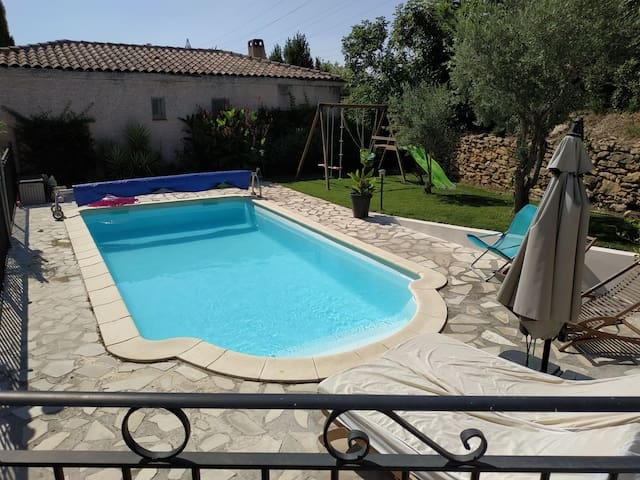 Charming family villa with swimming-pool