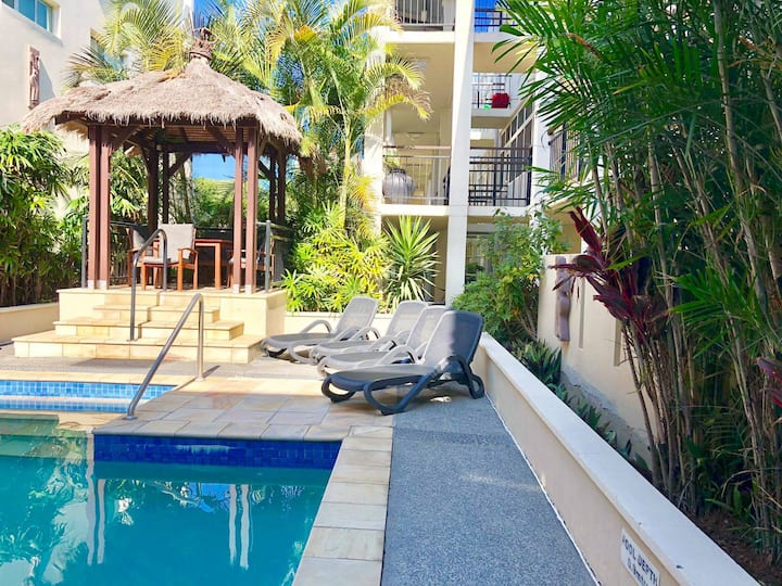 Deluxe 3 Bedroom ocean Front Apartment with Private Roof Deck and Spa