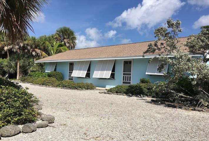 BG Beach House South Unit - Great Price & Location