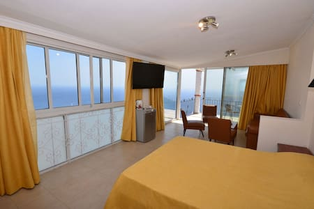 Golden View Luxurious Apartments - Lakones - Leilighet