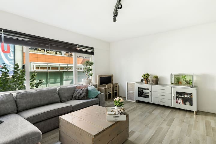 Nice, large apartment near Amsterdam and Schiphol