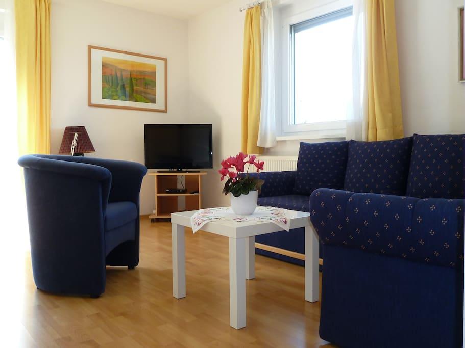Ausziehbare Sofa-Landschaft, Flatscreen