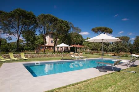 Tuscany villa near Cortona - อาเรซโซ่