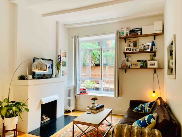 Cozy Apt in the Heart of West Village