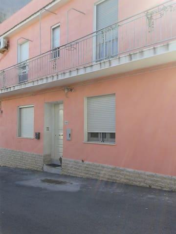 Casa autonoma in centro paese. - Petacciato