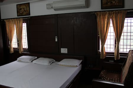 Cozy, quiet, and great location @ Peelamedu - Coimbatore - Maison