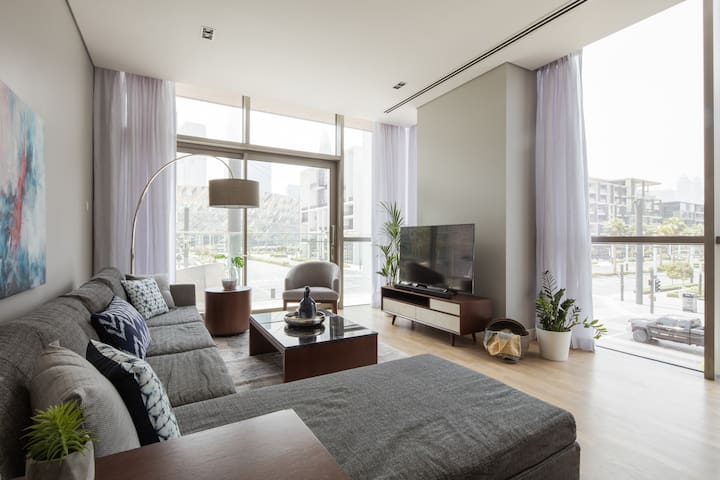Modern inspired 1 BR with full City Walk views
