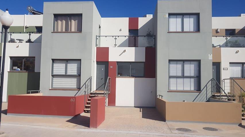 Casa Roca - komplettes Reihenhaus