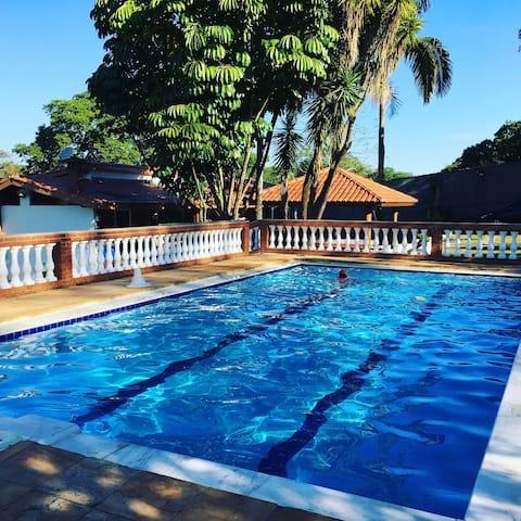 Chacara c/piscina, Wifi recantostamaria a 100km SP