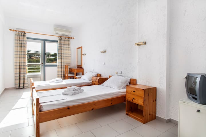Acc. Caprice, Limani Hersonissos - Limenas Chersonisou - Bed & Breakfast