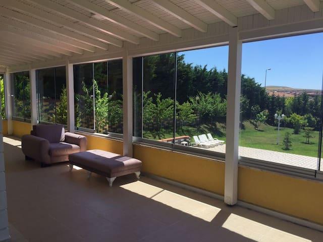 Delux 6+1 havuzlu özel villa istanbul büyükçekmece