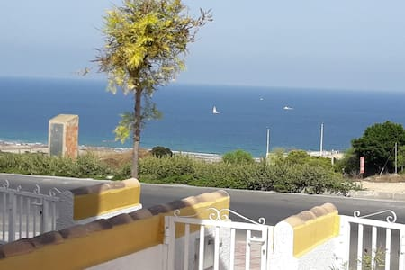 Cozy&bright, seaview, 1-floor, 2-patios, sea 900 m