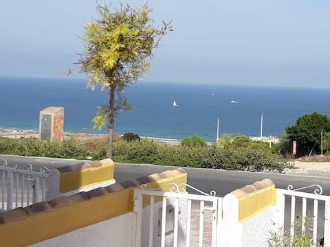 Cozy&bright, seaview, 1-floor, 2-patios, sea 900 m
