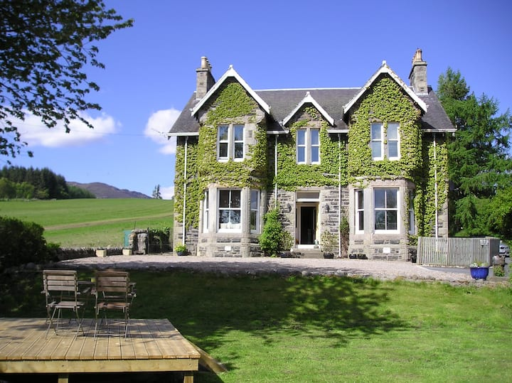 Kinnaird House, Hot Tub, 6 bedrooms, 5 bathrooms