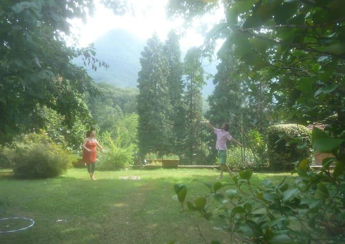 Villa mit Garten und Aussicht - Castelveccana - Apto. en complejo residencial