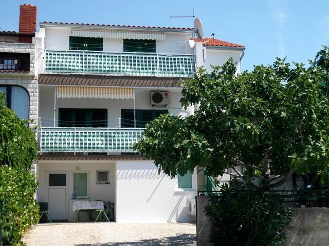 Apartments Zjacic - A4