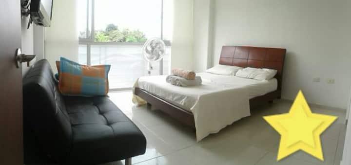 Habitación privada en Condominio moderno piscina
