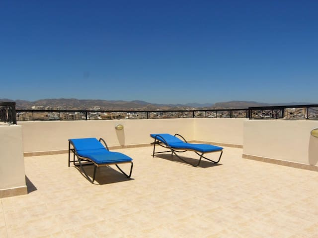 3BDR apartment 250m to the Sea - Limassol - Appartement
