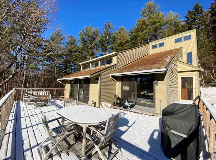 Modern Open Floor Vt Home Near Mt Snow/Stratton