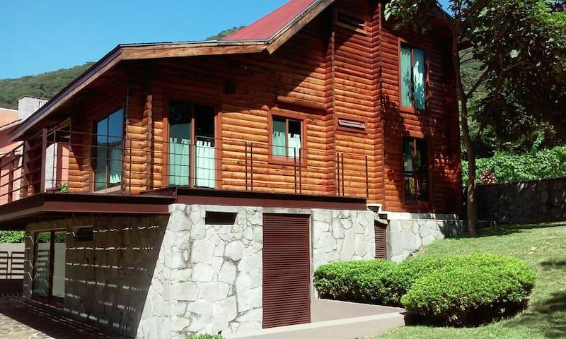 Espectacular Cabaña de Lujo - Santa María del Oro - Huis