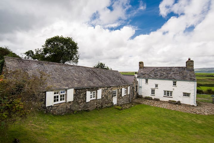 ABERSOCH HOLIDAY COTTAGE BY THE SEA - Llanengan - Rumah