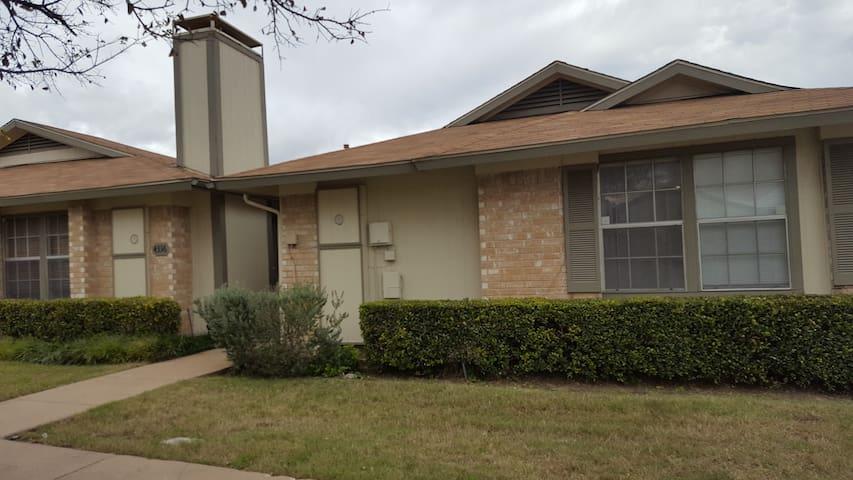 Use entire home in Richardson - Garland - Ev