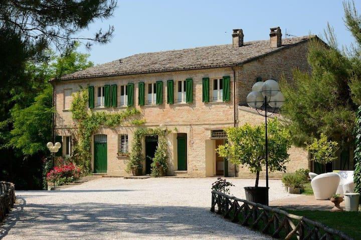 """Villa Tombolina - """"Antico Casolare"""""""