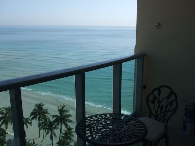 Ocean View Ocean Front  90 days minimum - Hollywood - Appartement