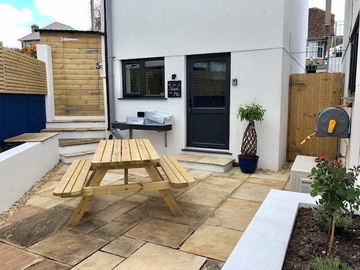 THE SHARK PIT - Quirky 1 bed Studio/Garden/Newquay